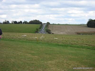 Stonehenge_in_October_2008-13