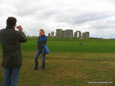 Stonehenge_in_October_2008-14