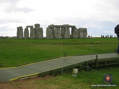 Stonehenge_in_October_2008-15