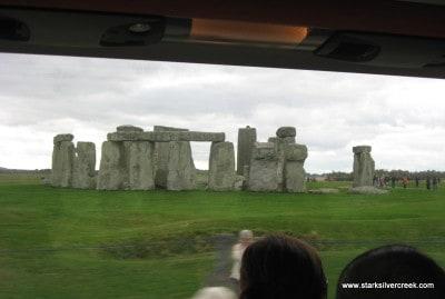 Stonehenge_in_October_2008