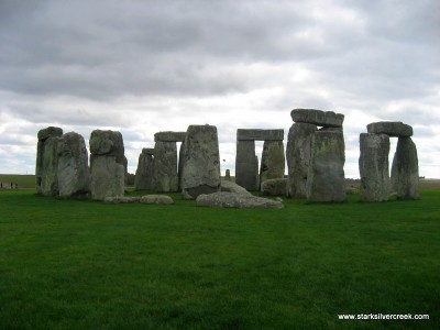 Stonehenge_in_October_2008-6