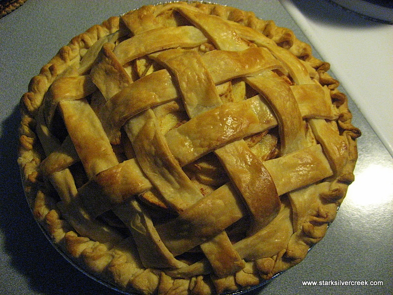 The pie came out nice and golden brown from the oven. I love the smell of apple pie baking in the oven...nothing makes a house smell like a home than warm apple pie.