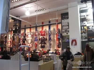 hockey-life-store-ottawa-canada-12-23-2008-10-34-34-am