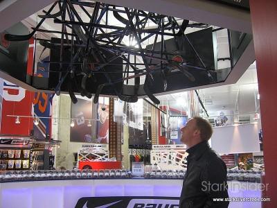 hockey-life-store-ottawa-canada-12-23-2008-10-34-54-am