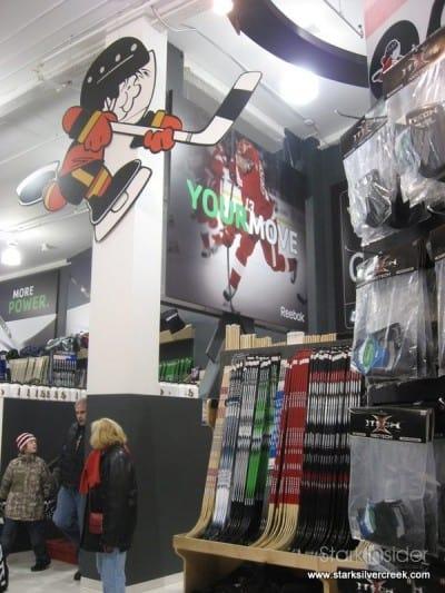hockey-life-store-ottawa-canada-12-23-2008-10-35-49-am