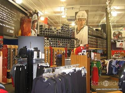 hockey-life-store-ottawa-canada-12-23-2008-10-45-13-am