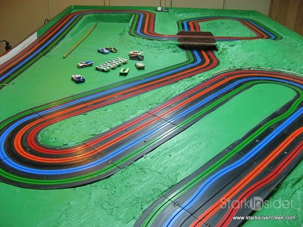 Slot Car Racing - HO Scale racetrack
