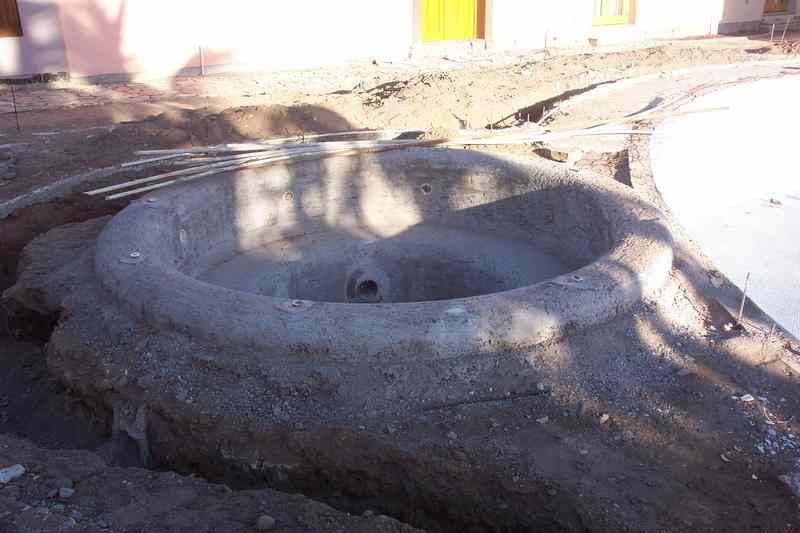 A closer look at the hot tub.