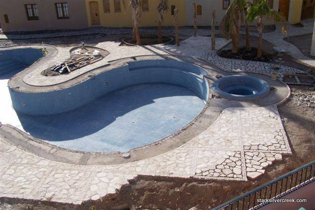 loreto-bay-baja-founders-pool-construction-update-4