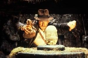 raiders-of-the-lost-ark-classic-movie-idol-scene
