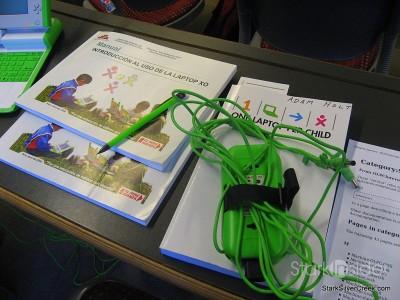 one-laptop-per-child-nicolas-negroponte-9