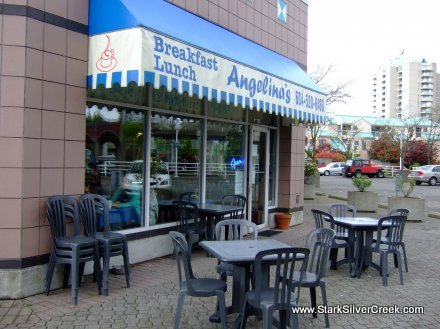 You can also enjoy Panekoek, a Dutch version of pancakes