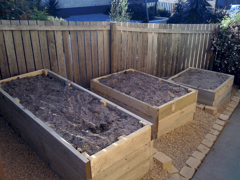 Diy garden box plans pdf for Vegetable garden planter box designs