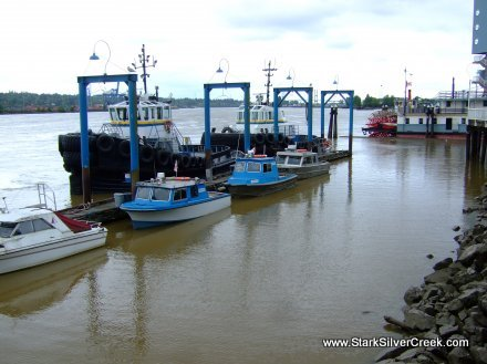 Working Tugs at rest