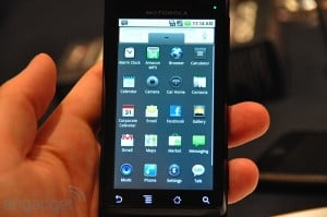Engadget with Motorola Droid