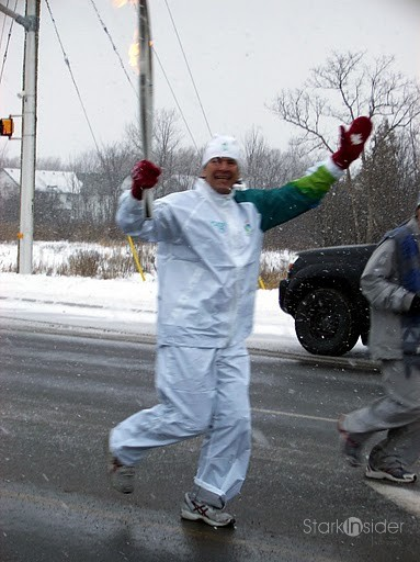 091213-almonte-olympic-torch-125