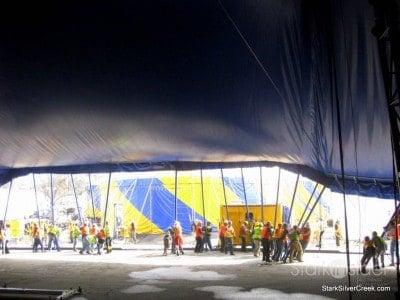 raising-big-top-cirque-du-soleil-ovo-5
