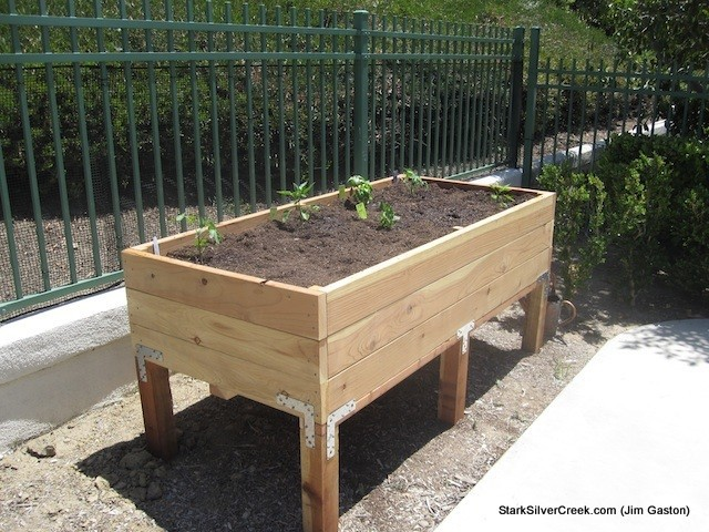 how to build a vegetable planter box variations on a classic design rh starkinsider com vegetable planter boxes diy vegetable planter box ideas