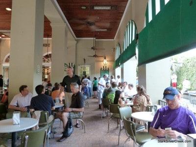 Cafe-du-Monde-New-Orleans-6