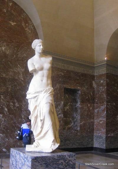 Louvre-Paris-Saturday-Morning-22