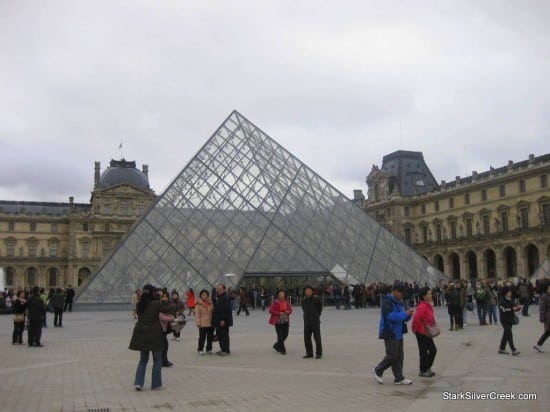 Louvre-Paris-Saturday-Morning-4