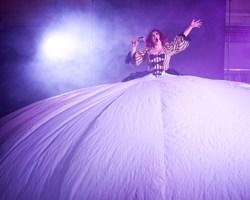 Pictured: Sarah Ward. Australia's Circus Oz returns to Berkeley October 7 - 10, 2010. PHOTO: Rob Blackburn