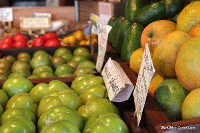 South-Kona-Fruit-Stand-2