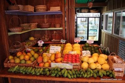 South-Kona-Fruit-Stand-4