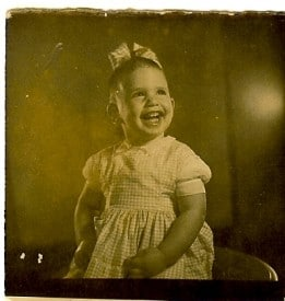 Young Jane With Minimal Hair and Bow