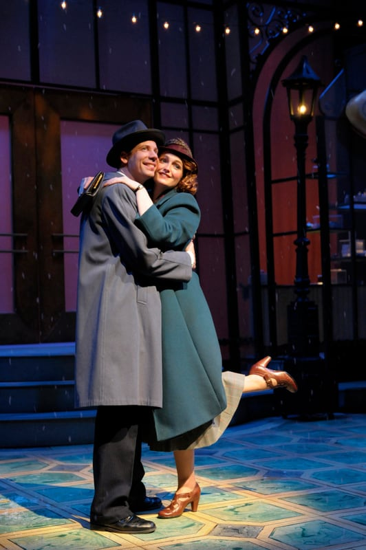 Left to Right: Rayn Drummond, Kelsey Venter. Photo credit: www.kevinberne.com.
