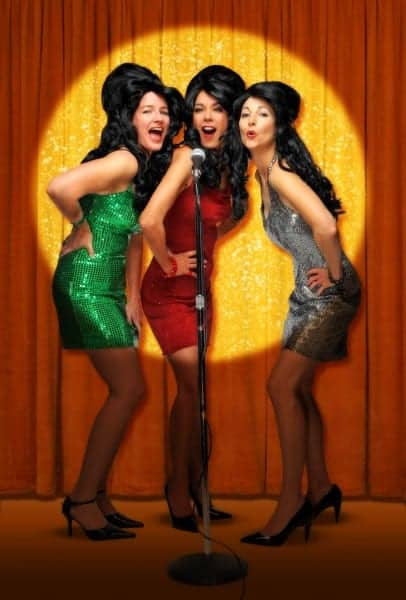 The Coverlettes Cover Christmas