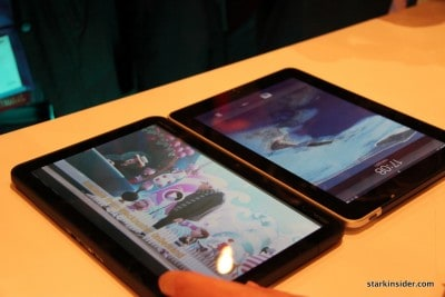 Motorola Xoom next to Apple iPad