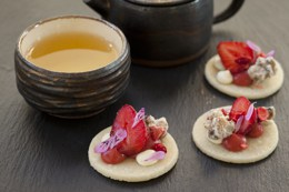 Strawberry Cookie and tea