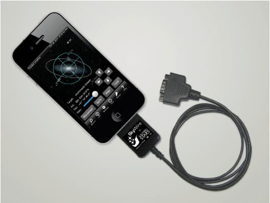 SkyWire accessory connected to an iPhone 4 running SkySafari 2.1.