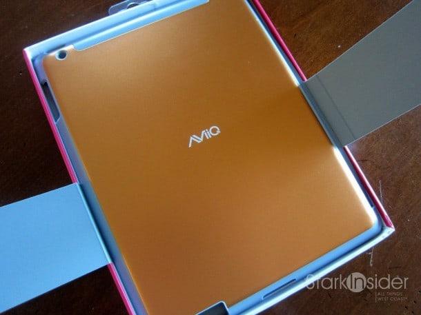 In Review: AViiQ Smart Case for iPad 2