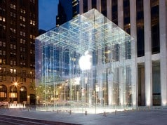 Apple Store, Fifth Avenue, New York.