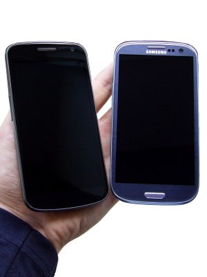 What do you mean we look like iPhones? Samsung Galaxy Nexus on left, Galaxy S3 on right.