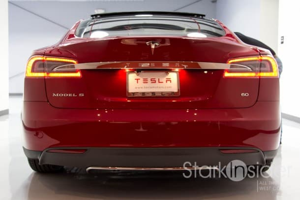 Tesla S Sedan - Red