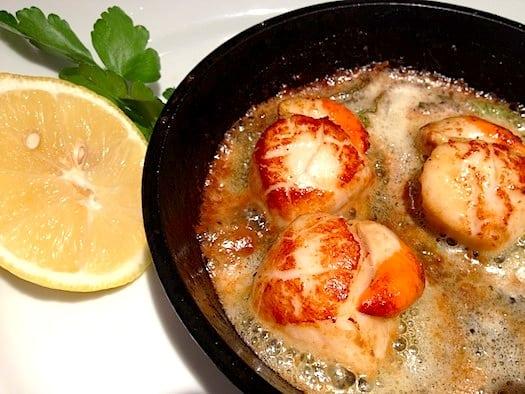 Crabshakks scallops in anchovy butter