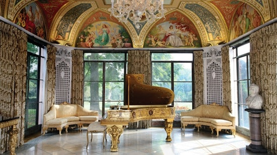 Bright piano room ( that's real gold on the ceiling)