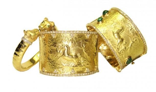 I'll take all three  of Aragón's  bracelets, please