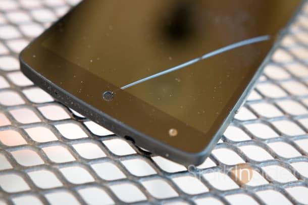 LG Nexus 5 Design Flaw with Screen Speaker