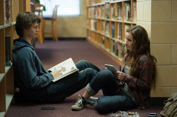 Left to right: Ansel Elgort plays Tim Mooney and Kaitlyn Dever plays Brandy Beltmeyer in MEN, WOMEN & CHILDREN, from Paramount Pictures and Indian Paintbrush Productions.
