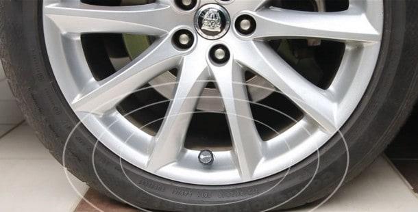 FOBO-bluetooth-tire-pressure-valves-2014