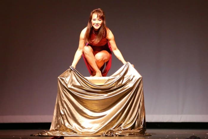 Magician Jade in performance