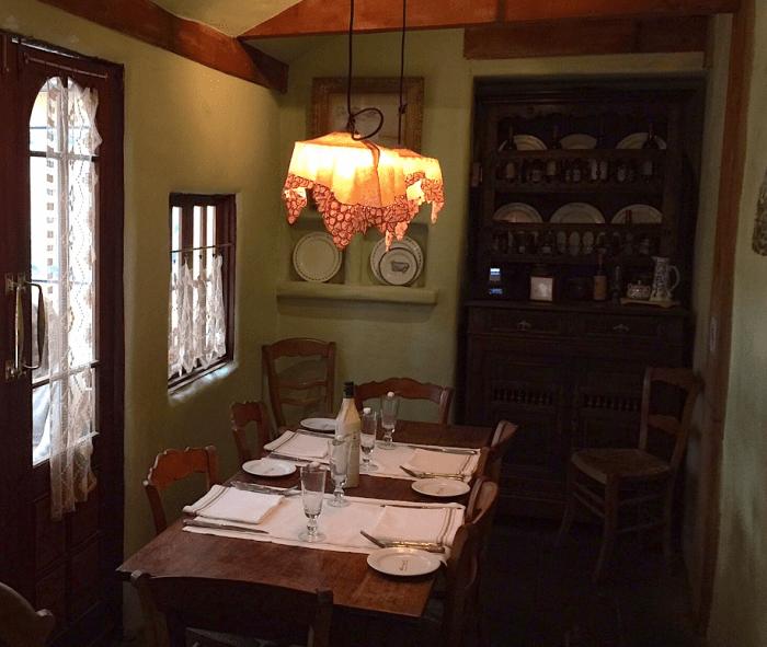 Casanova - Van Gogh table