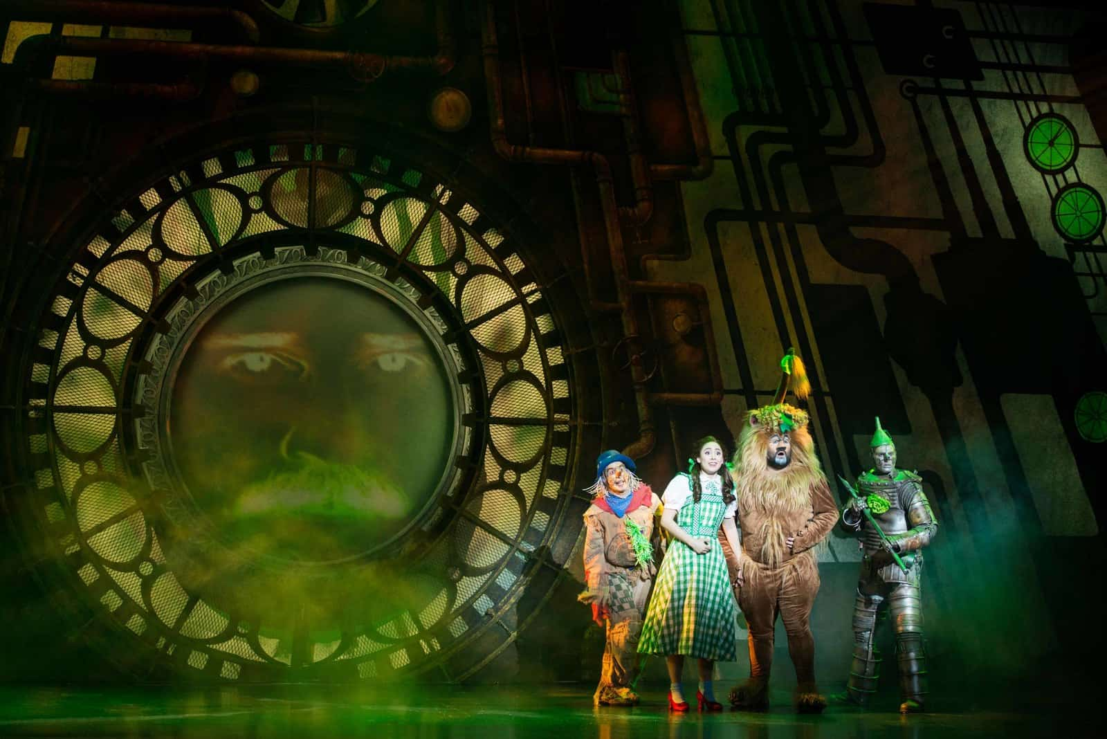 Green curtain oz - Behind The Curtain Wizard Of Oz