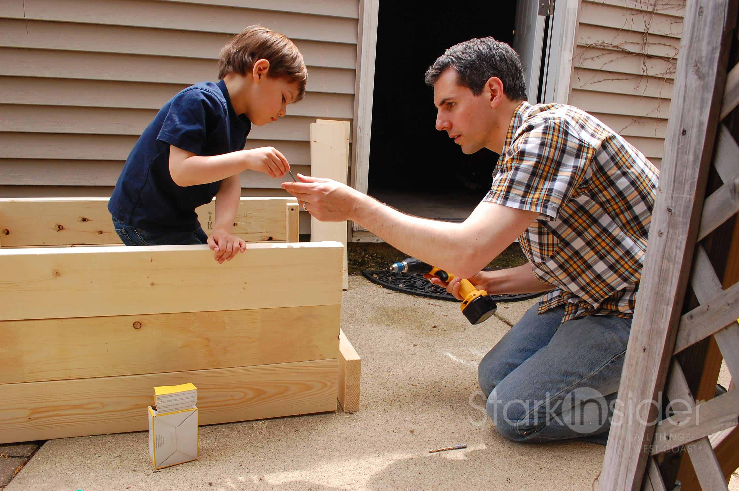 Build a vegetable garden box - Diy Planter Box Plans Jeff Sent Me This Shot Seems Like He Recruited Some Pretty Cute Help