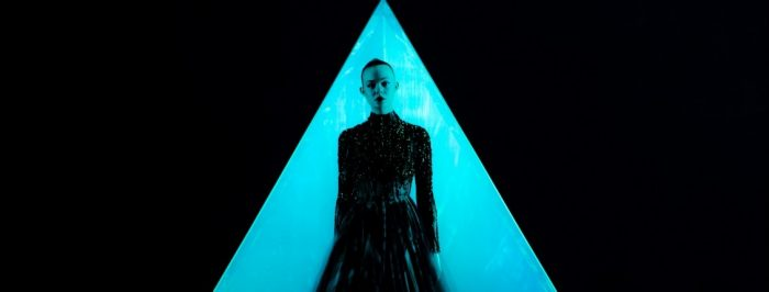 The Neon Demon starring Elle Fanning - Geometry wins