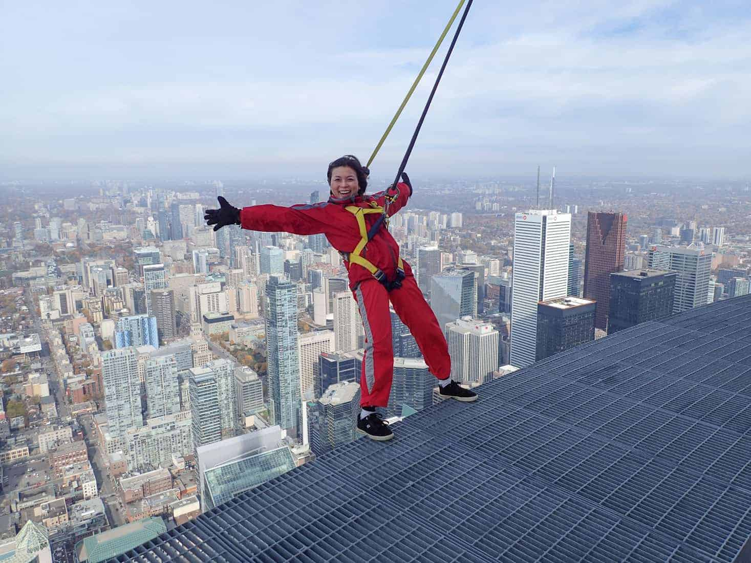 Edgewalk Cn Tower Push Your Personal Limits If You Dare Video Stark Insider